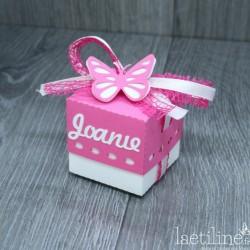Boîte à dragées papillon avec prénom